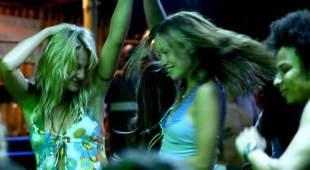 turistas-bailando