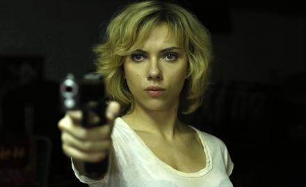 lucy-pistola
