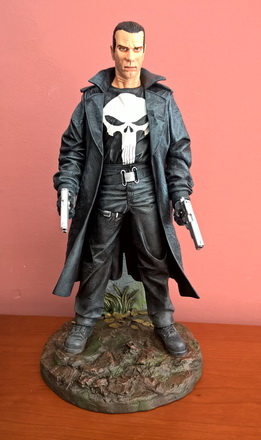 punisher-statue-front
