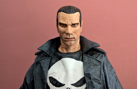 punisher-statue1