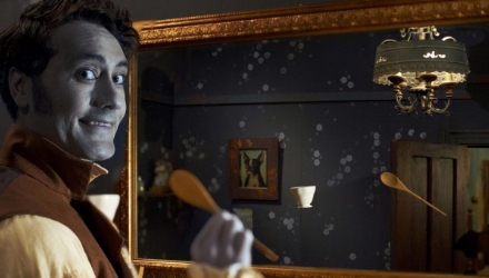 lo-que-hacemos-en-las-sombras-espejo