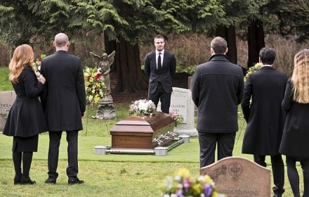 arrow-temporada-4-funeral