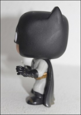 batman-funko-lateral2