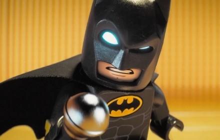 batman-la-lego-pelicula-microfono