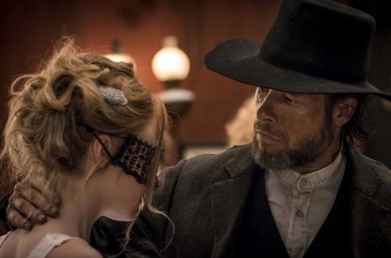 brimstone-guy-pearce-and-dakota-fanning