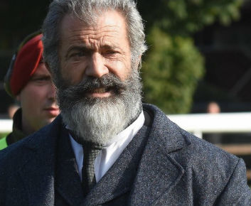 mel-gibson-the-professor-and-the-madman