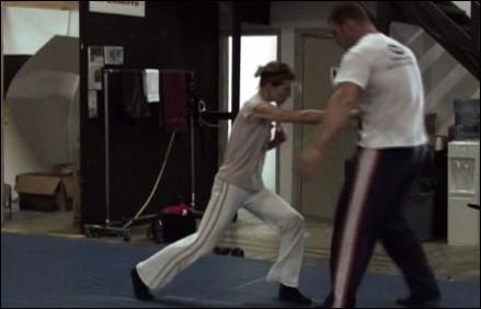 resident-evil-milla-jovovich-training