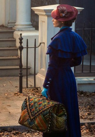 emily-blunt-mary-poppins-440
