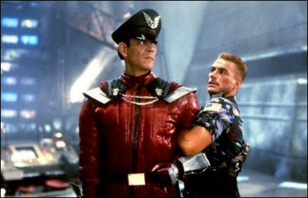 street-fighter-movie-raul-julia-vs-van-damme