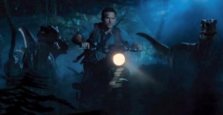 Jurassic-World-Raptor-moto